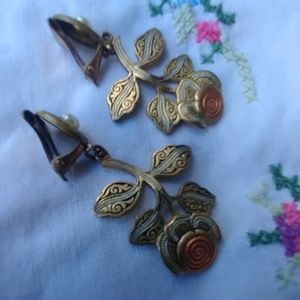 Amazing Damascene Clip Roses